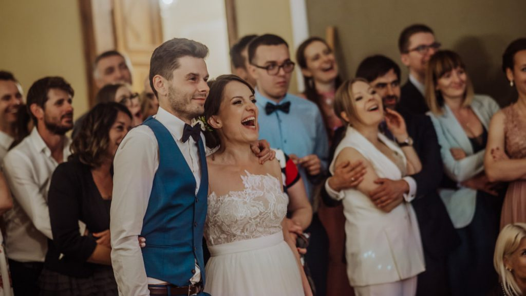 film ślubny, teledysk ślubny, Ślub plenerowy, Pałac Konary, Same Day Edit, atrakcja na wesele